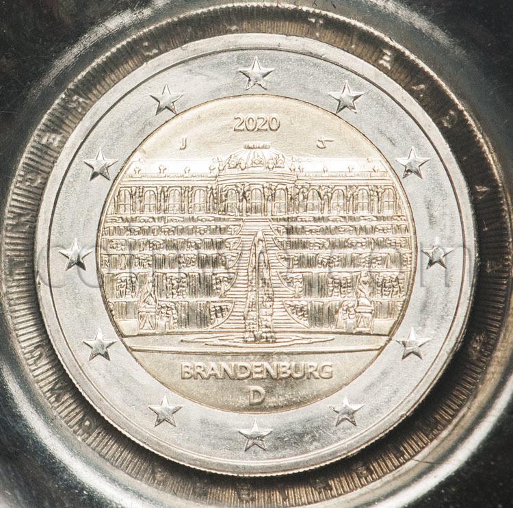 SLOVENIA 5 TOLARJEV 1995 FAO F.A.O 50 TH ANNIVERSARY LOGO IN HANDS UNC COIN